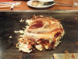 Okonomiyaki served at the Fugetsu restaurant at Tempozan Marketplace, Osaka. Photo by Jose Ramos, September 12, 2013