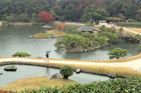 640px-December_view_-_Korakuen_(Okayama)_-_DSC01696
