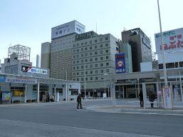 800px-Aomori_station_ekimae